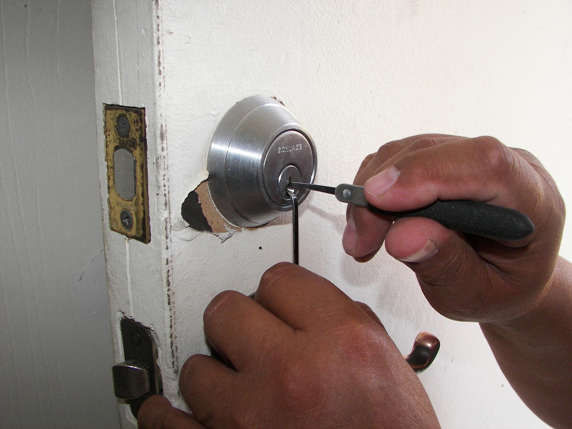 locksmith westhoughton